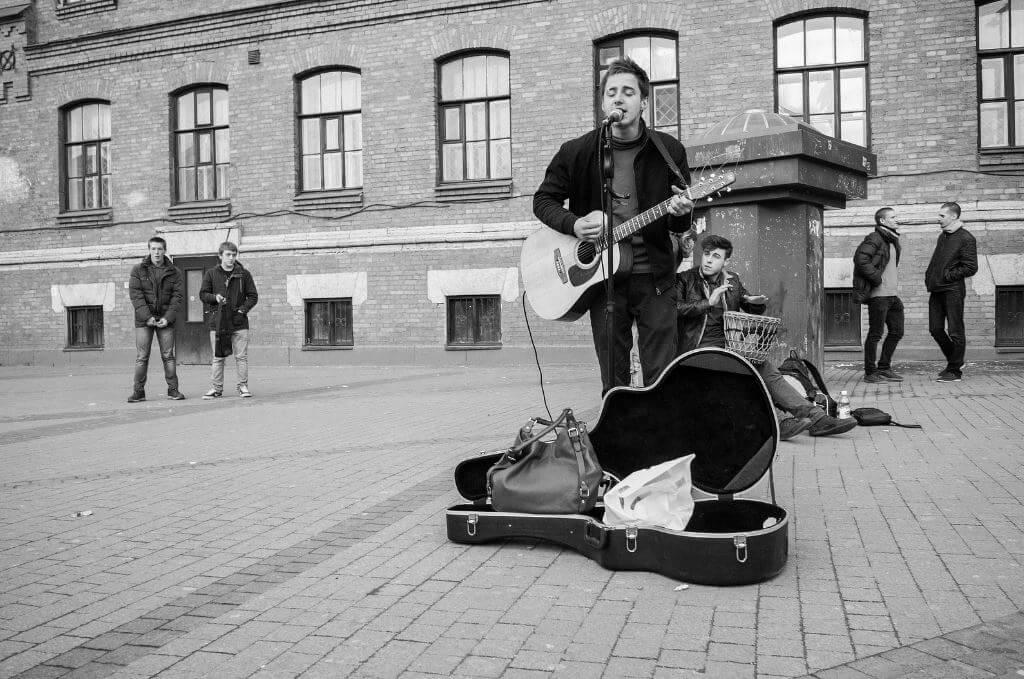 Оборудование для уличных гитаристов