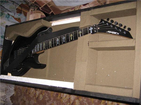 гитарный кейс