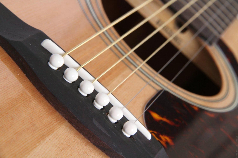замена струн на вестерн гитаре