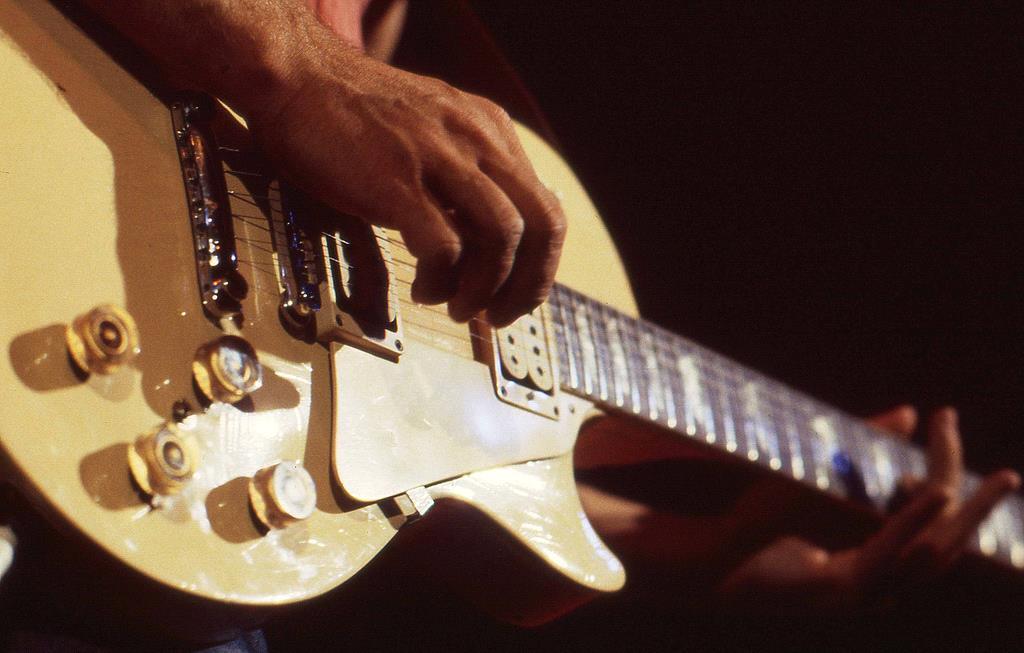 постановка рук на гитаре
