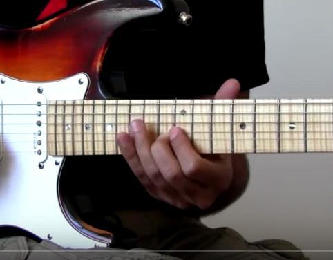 постановки руки при игре на гитаре