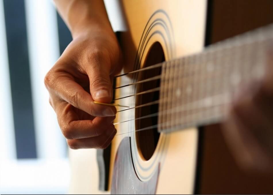 Советы гитаристам при игре боем на гитаре